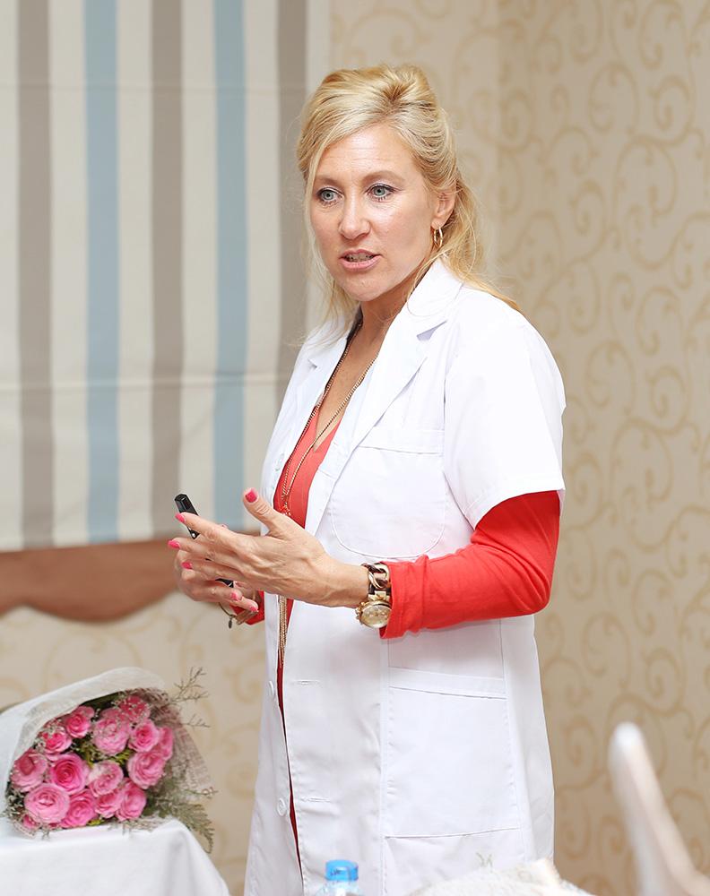 Tiến sỹ Kimberly Jame