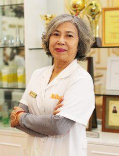 Bác sĩ Trần Hoàng Oanh